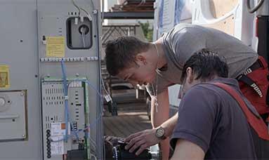 Anlagenmechaniker beim Notdienst